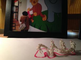 9:小象鼻和乳头的壁画摄影和人上人(多媒介) Do monkey allow to have big nipples/Do elephant allow to have tiny trunk? ( Digital Photo) Man on man ( DIY plastic toy)