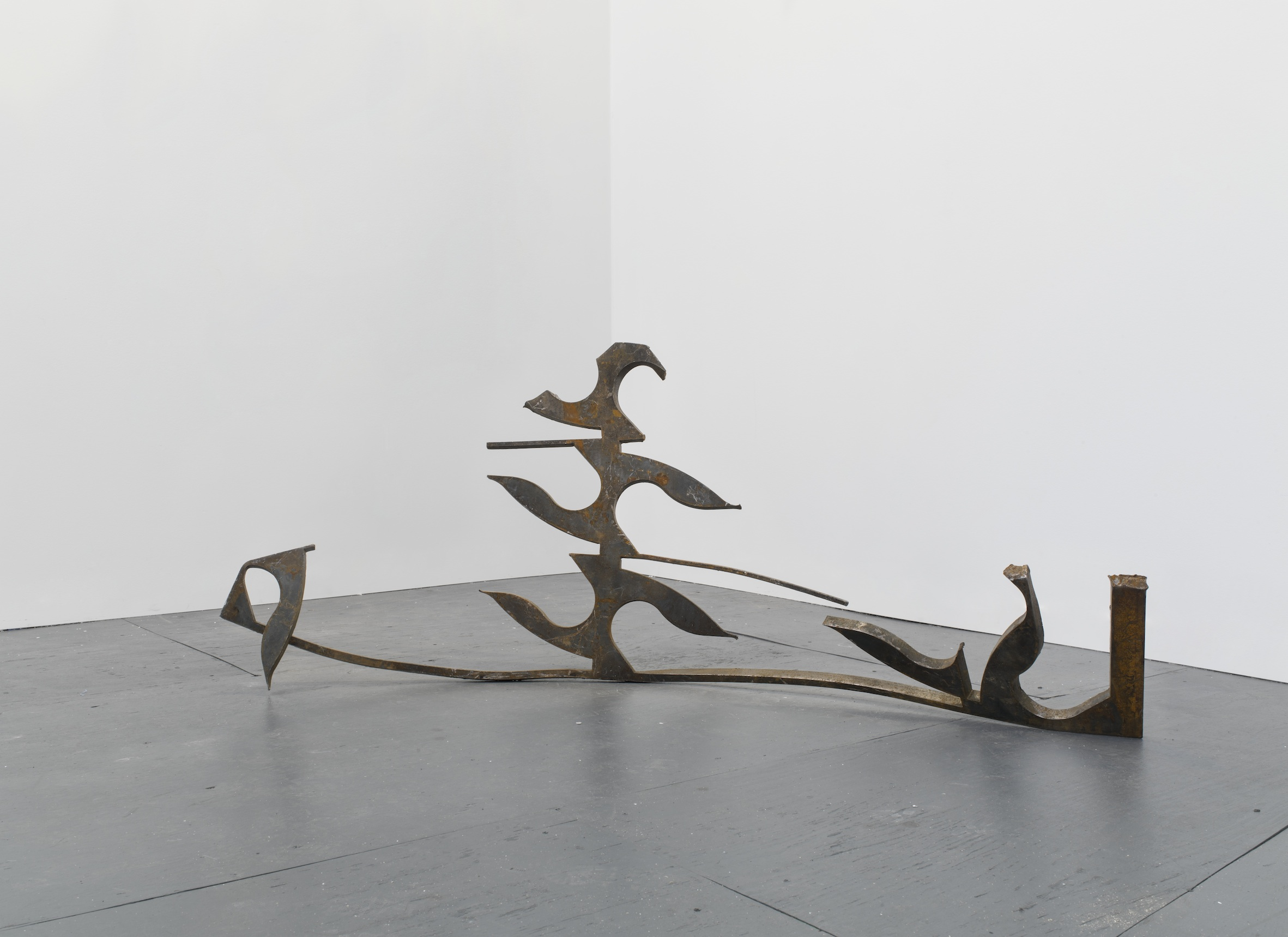 Chafer's gallop  2013  Steel  77 x 58 x 190 cm / 30.3 x 22.8 x 74.8 in