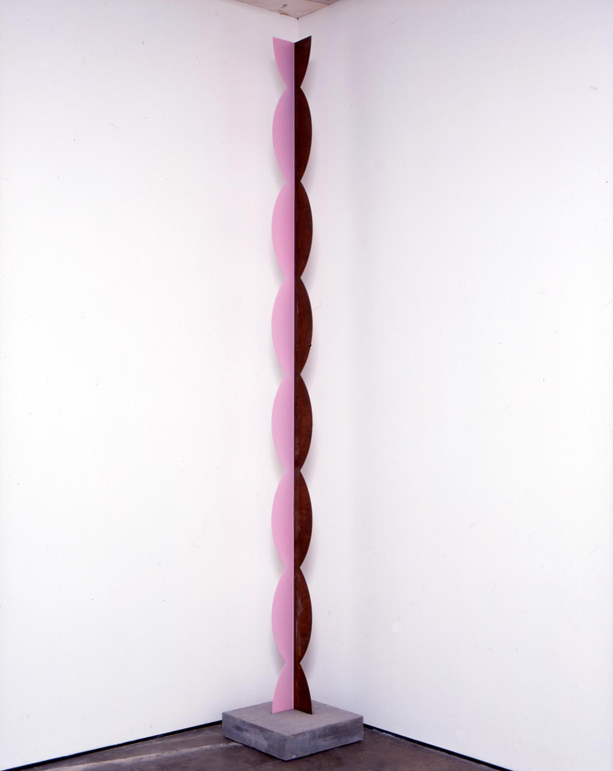 Kusine   2006   painted steel, concrete base   300x13x13cm,  base 11x45x45cm