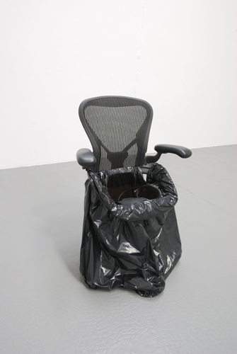 Rolly 2008 Aeron chair and rubbish bag 111 x 50 x 50 cm / 43.7 x 19.7 x 19.7 in