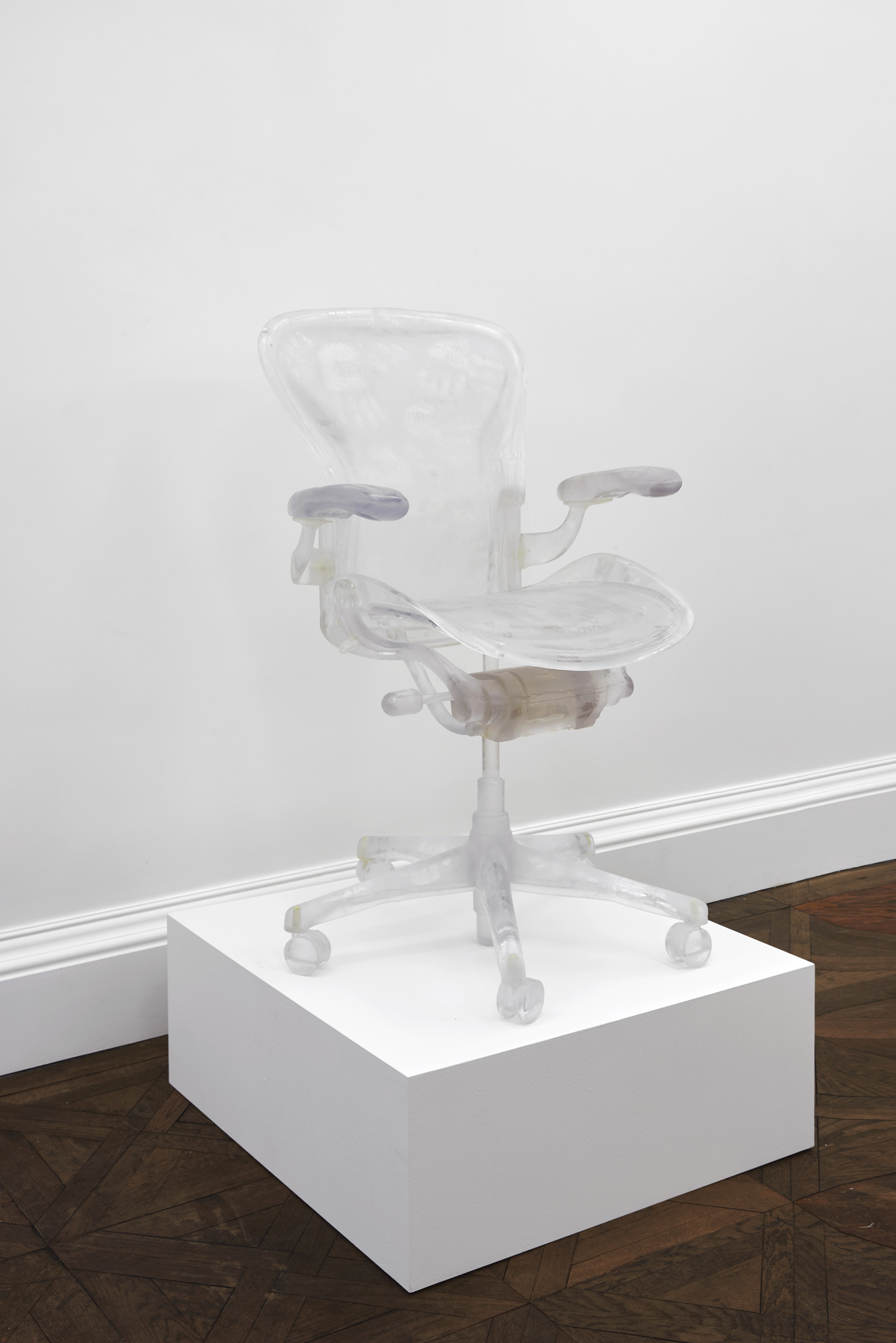 Radiograph No. 5 - Herman Miller Aeron office chair (caressed by Roxman Gatt)   2018   Clear resin   105 x 66 x 66 cm / 41.3 x 25.9 x 25.9 in   Unique