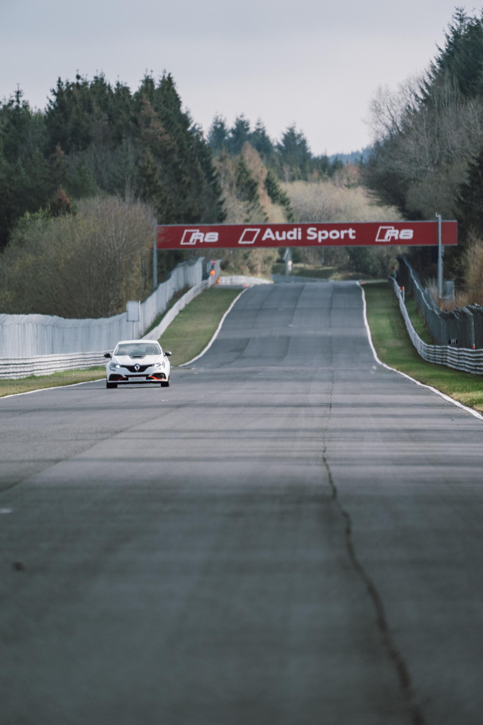 Renault Sport_Circuit Nurburgring_06-04-19_Florian Leger_SHARE & DARE_ HD_ N°-159.jpg