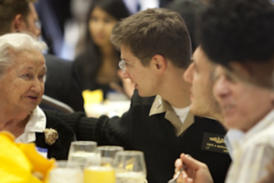 GW serves Thanksgiving luncheon for local veterans