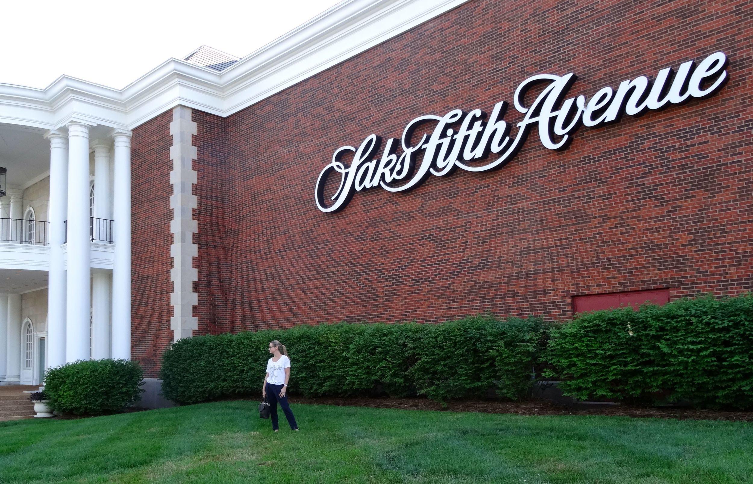 Frontenac Plaza Saks Fifth Ave.