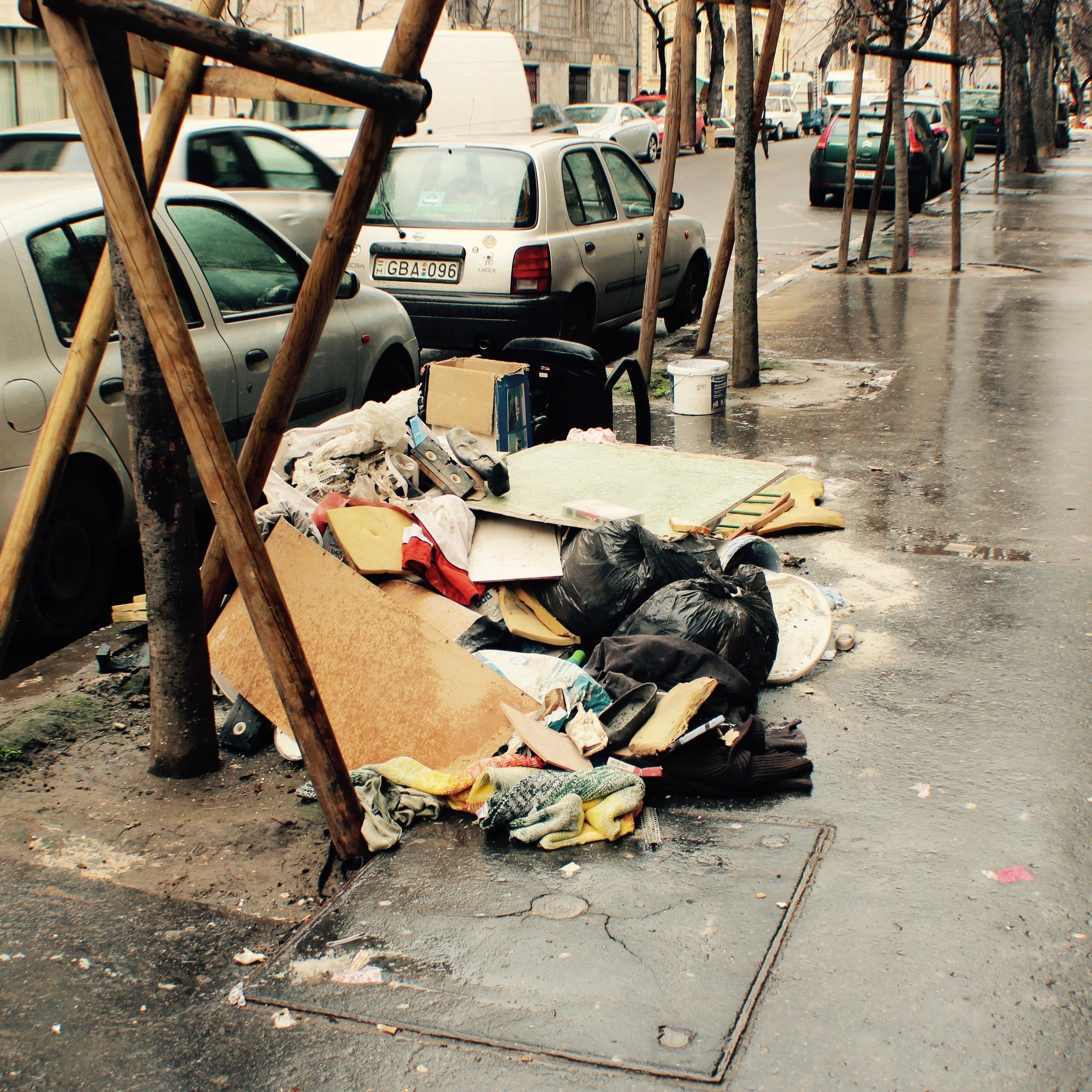 Pile # 4, Szerdahelyi Street.