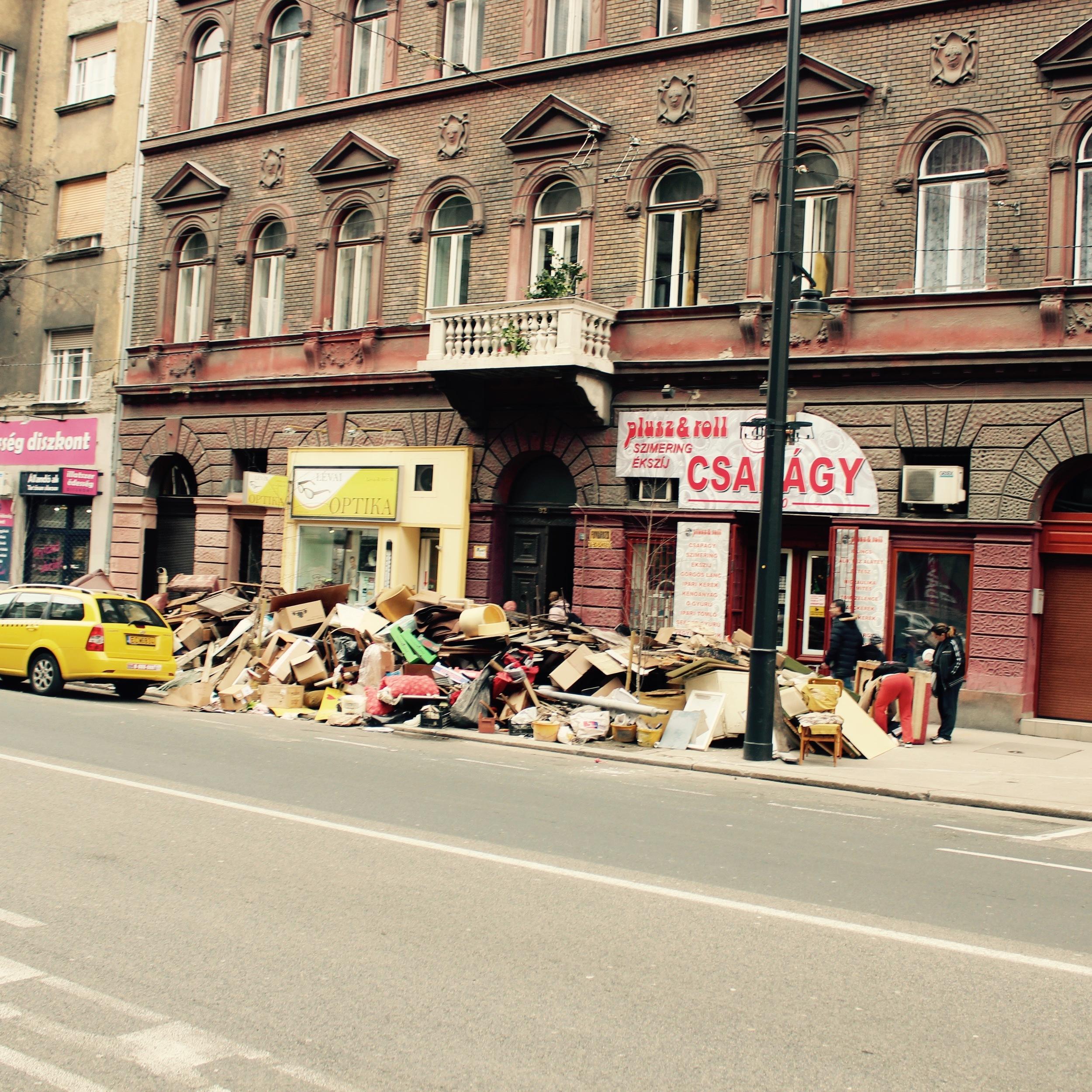 Pile #10, Barross Street.