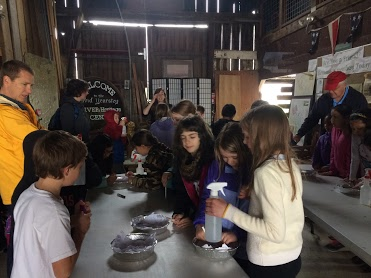 Students visiting David Yearsley River Heritage Center