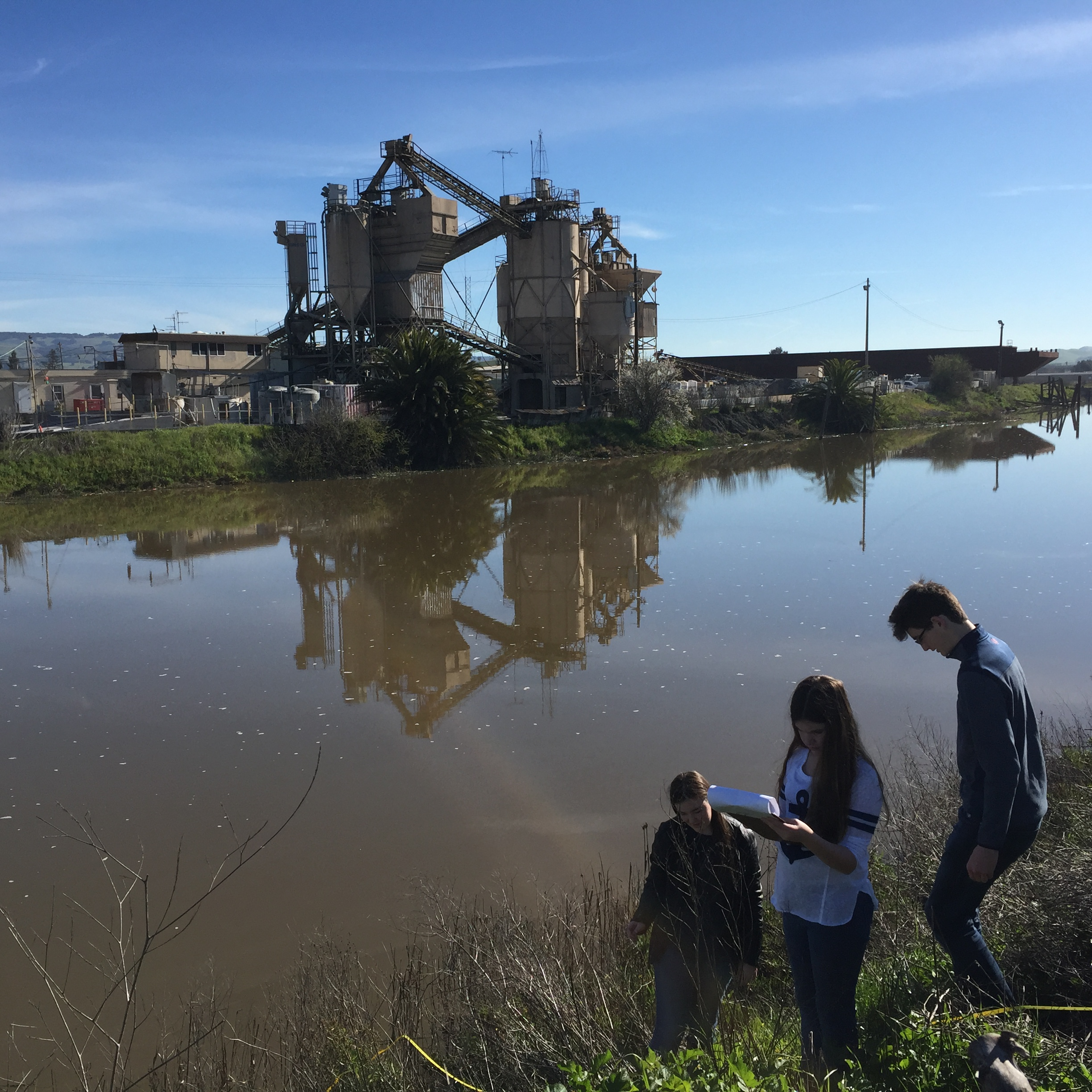 Students on a surveying trip in Steamer Landing Park (Spring 2017).