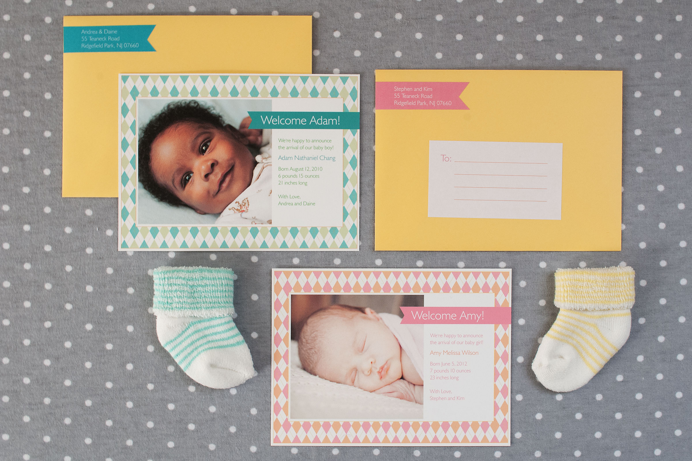 With a graphic take on preppy,  Liliput  features a colorful Argyle pattern surrounding a portrait flat printed on a soft, textured matte cardstock. Clean, modern typography introduces the new addition. Coordinating banner-shaped return address labels and fill-in recipient labels are included.