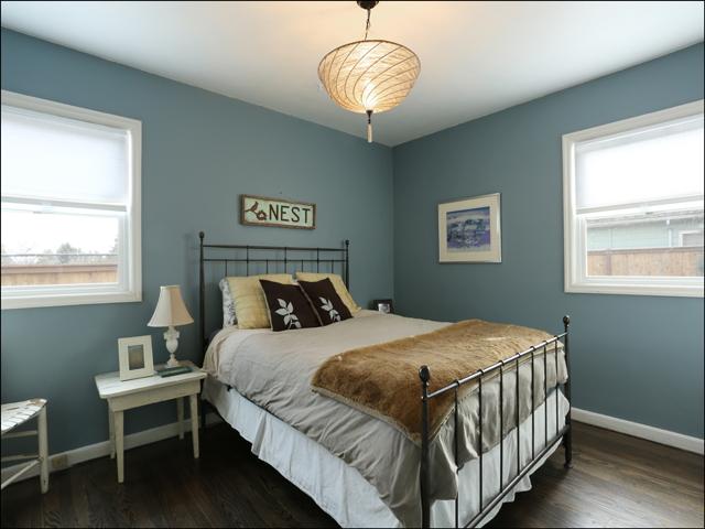 3844 SE Simpson bedroom.jpg