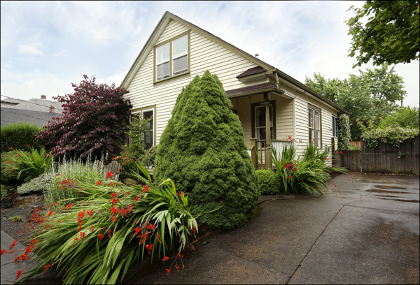 3739 SE Main St. - $425,000  Sold for $425,000