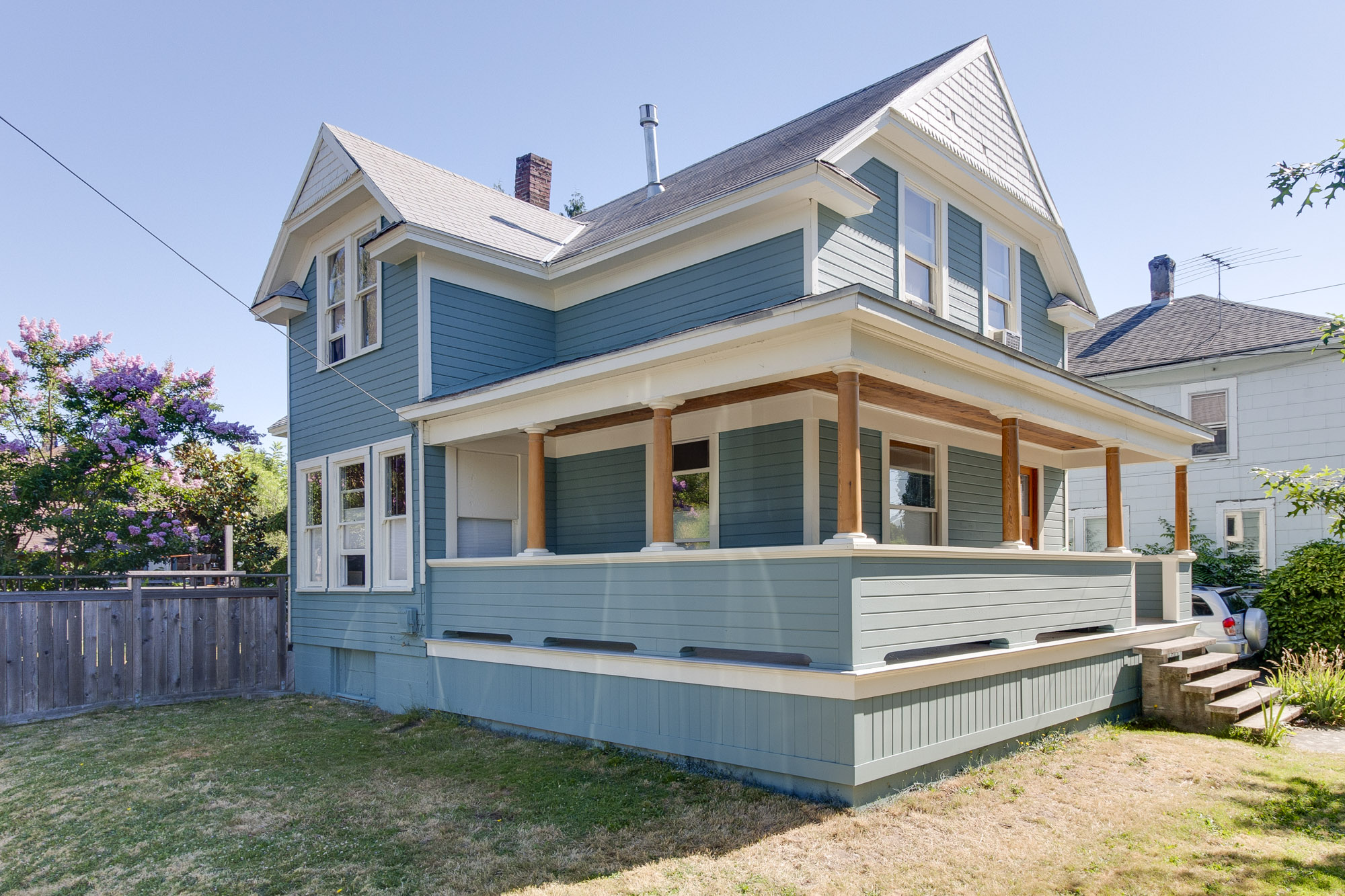 3807 SE Main St.   $465,000  Sold for $450,000