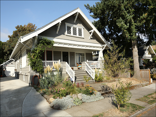 4725 NE 24th Avenue  - $587,000   SOLD for $665,000
