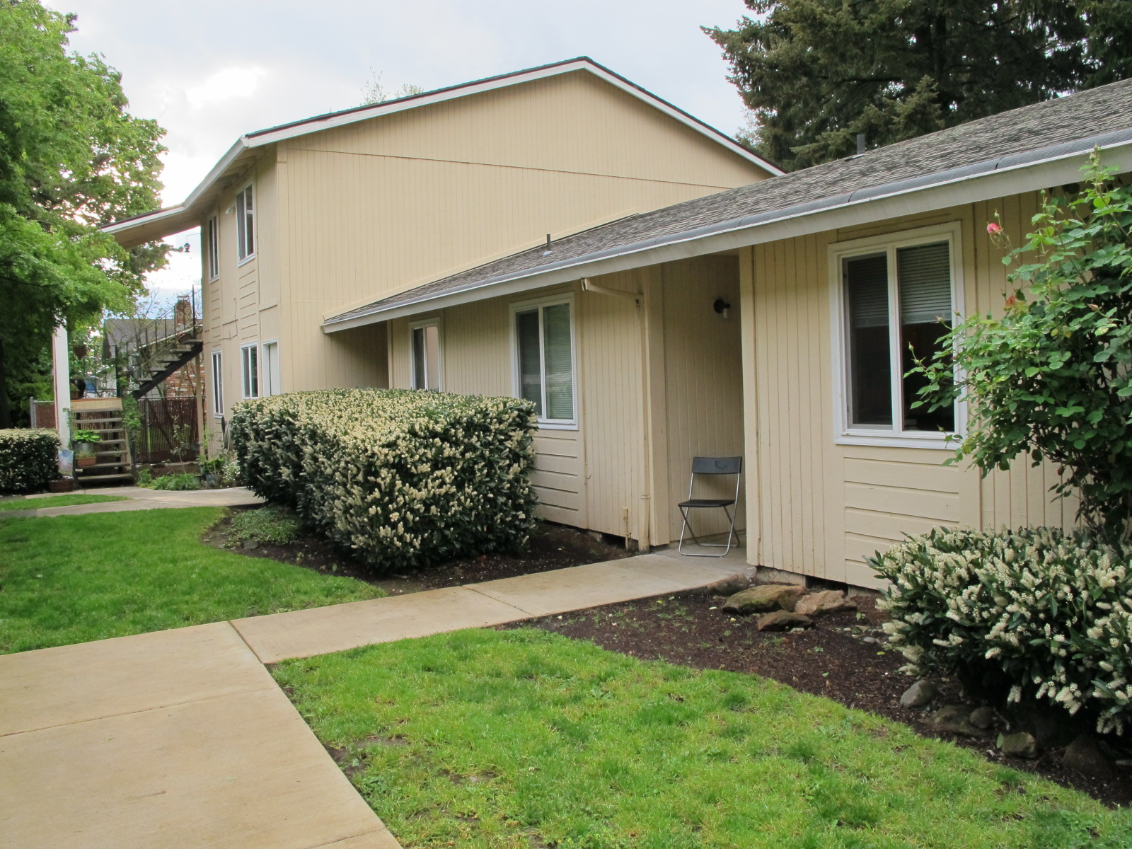 738 SE 148th Ave  8 unit multifamily  $995,000 SOLD