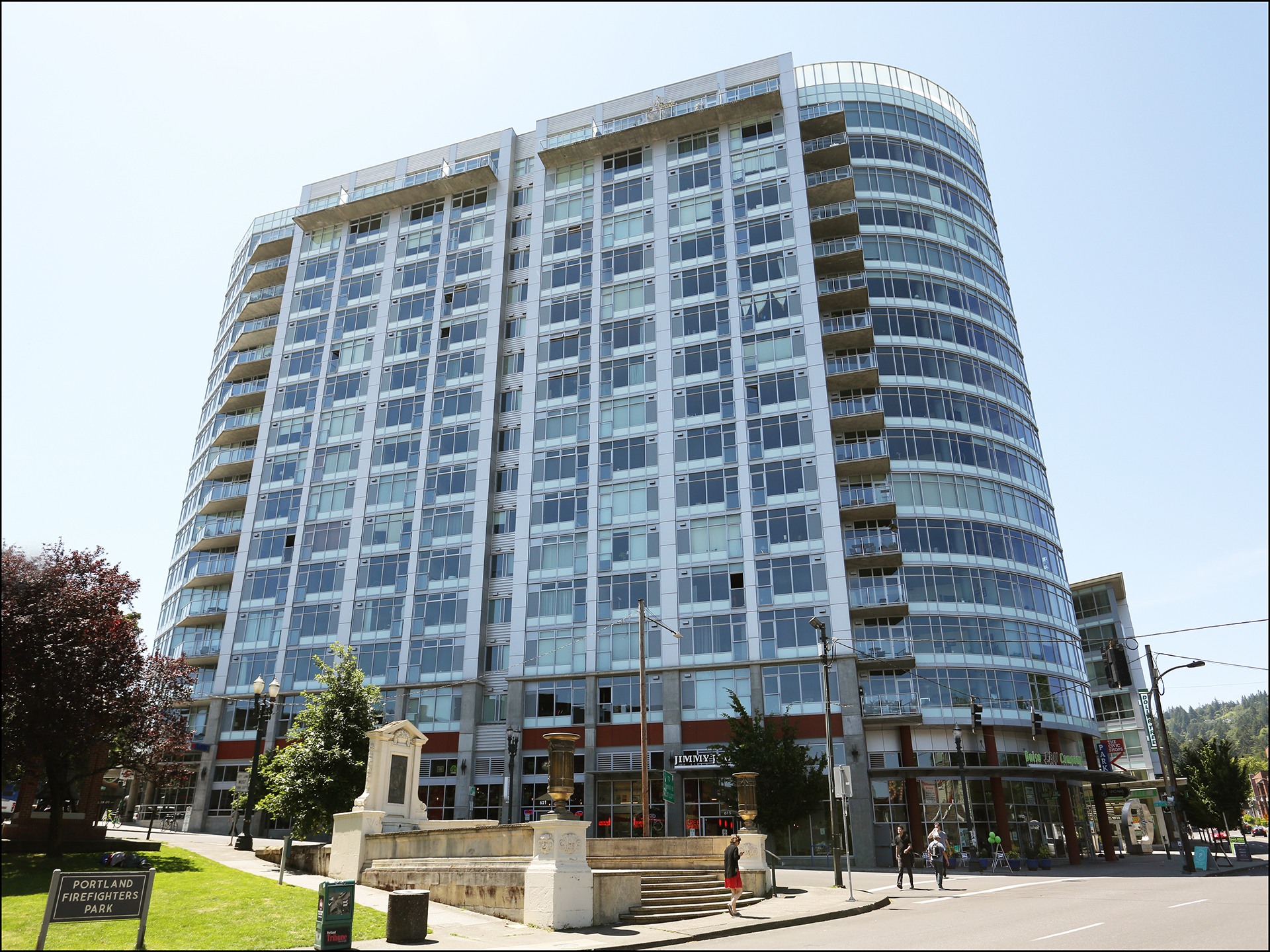1926 W Burnside #130  Civic Condo  SOLD $325,000