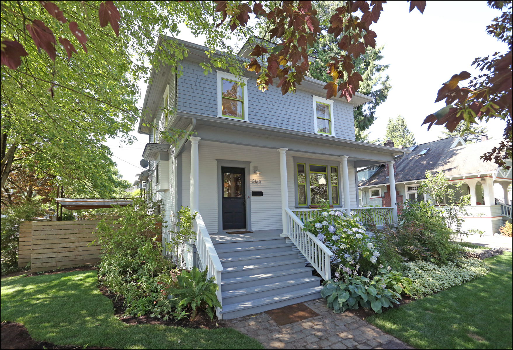 3134 SE Main St.  Old PDX in Hawthorne  SOLD $725,000