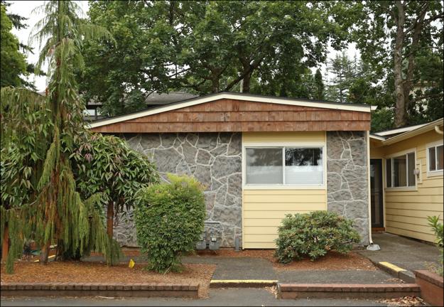 162 SE 73rd Ave  Montavilla Garden Condo  $240,000 SOLD