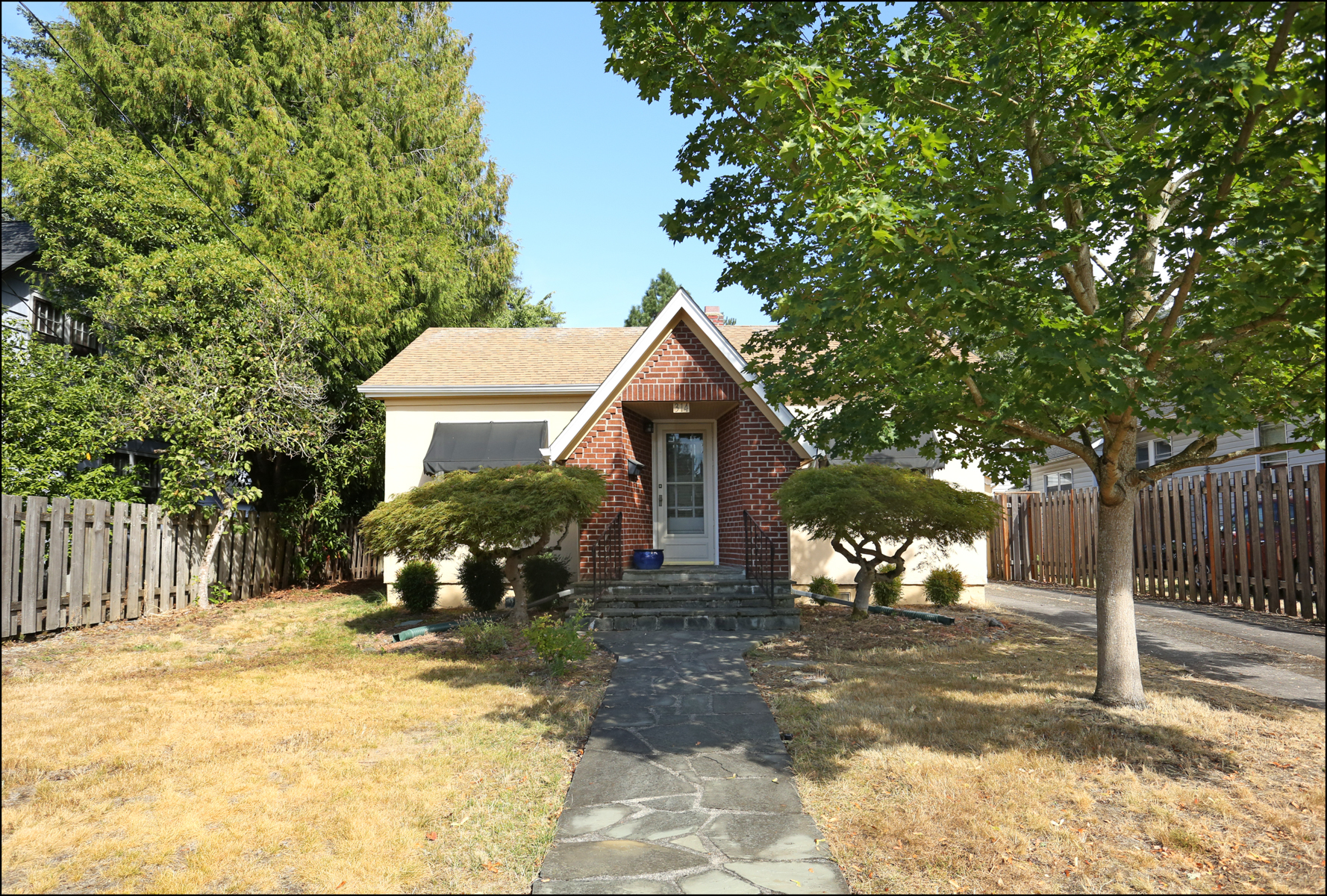 314 NE 63rd Ave  Tabor Cottage $359,900    SOLD    for $ 391,500