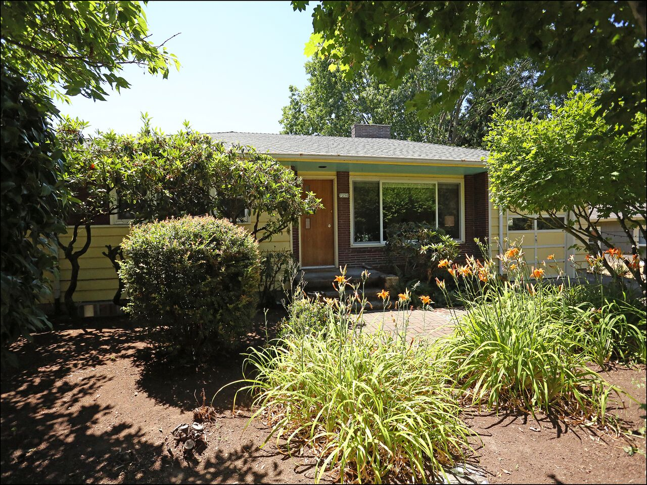 7250 SE Sherman St.  Mid-century Gem on Wonderful Lot  SOLD for $535,000