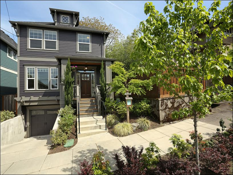 914 SE 28th Ave.  $759,900  Sold for $777,000
