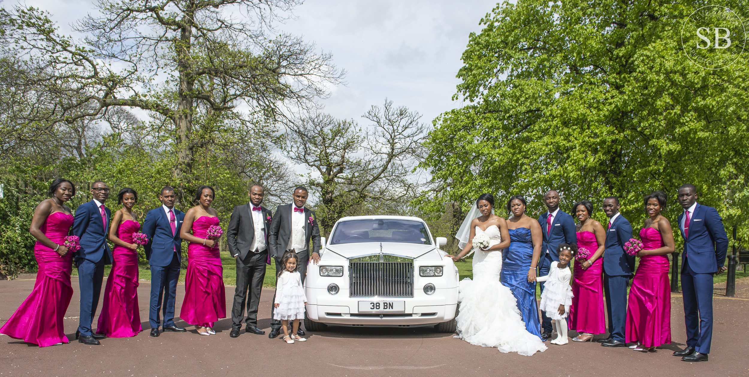 bridal-party-car-greenwich-park-london