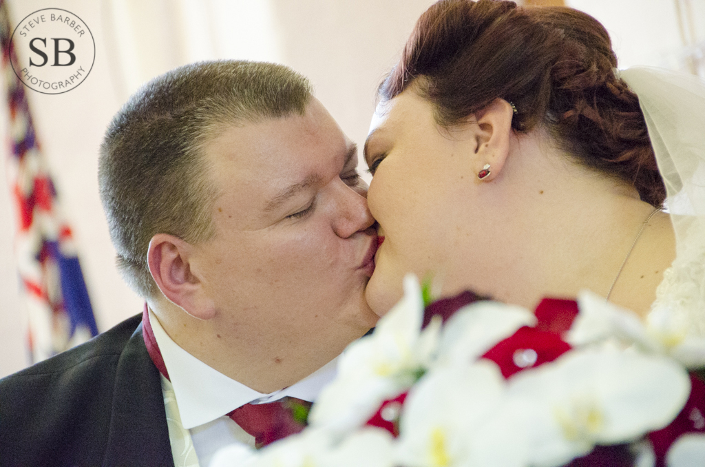Candid-First-Kiss-Wedding-Photography
