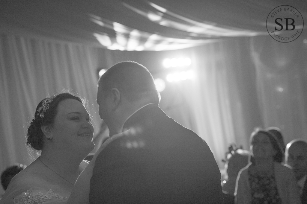 Natural-First-Dance-London-Wedding-Photography