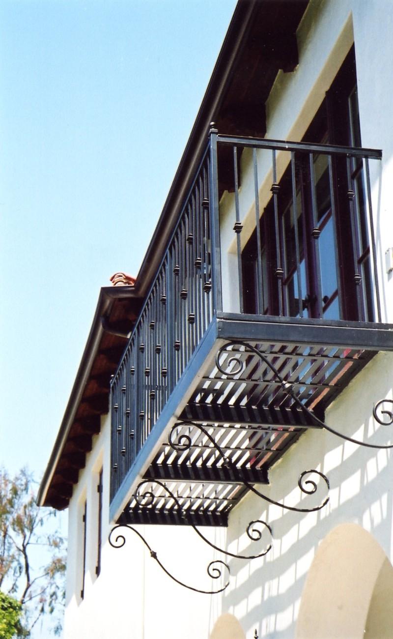 kav_1809_balcony.jpg
