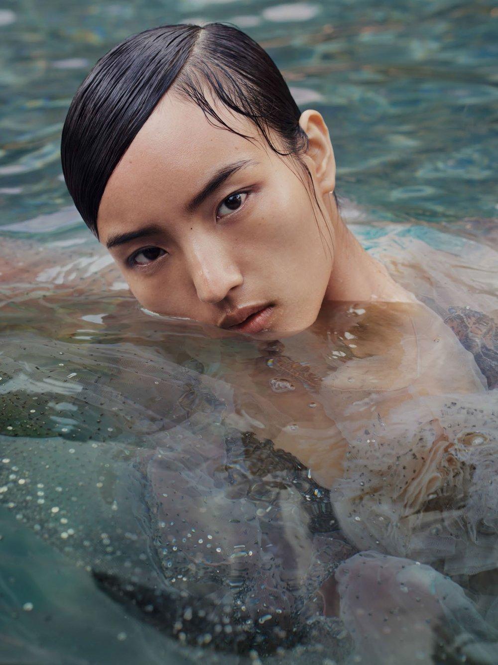 Vogue-China-Beauty-May-2017-Liz-Collins-Visual+Atelier+8-1.jpg