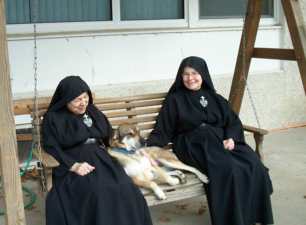 Sisters Paul & Elizabeth with Buddy.JPG
