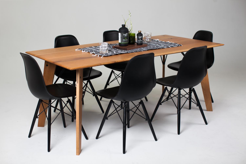 Bliss Table White Oak | Black powder coat
