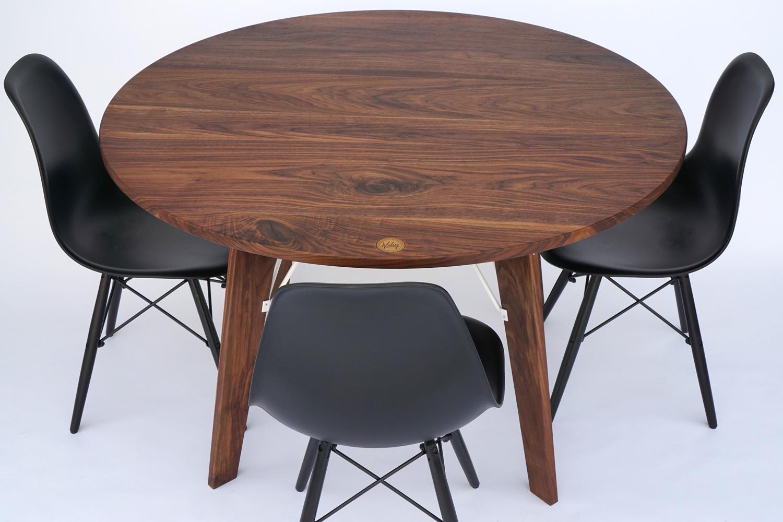 Round Bliss Table Black Walnut | White powder coat