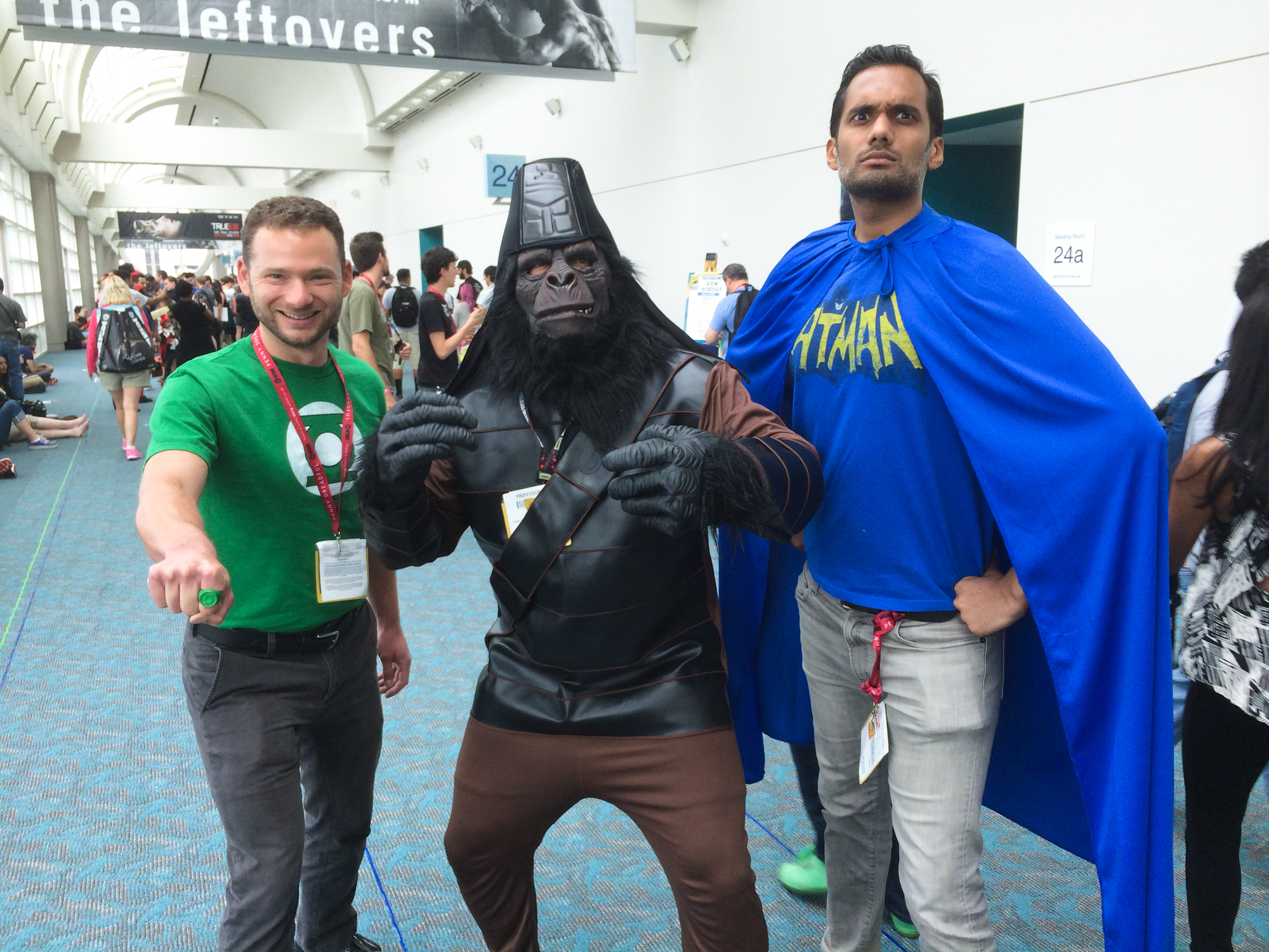green-lantern-planet-of-the-apes-batman-cosplay-san-diego-comic-con.jpg