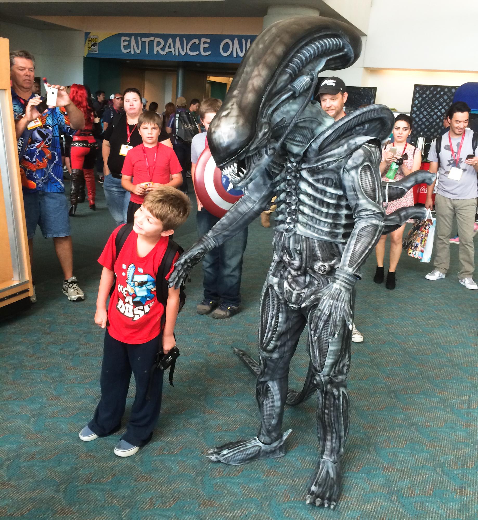 xenomorph-alien-cosplay-san-diego-comic-con.jpg