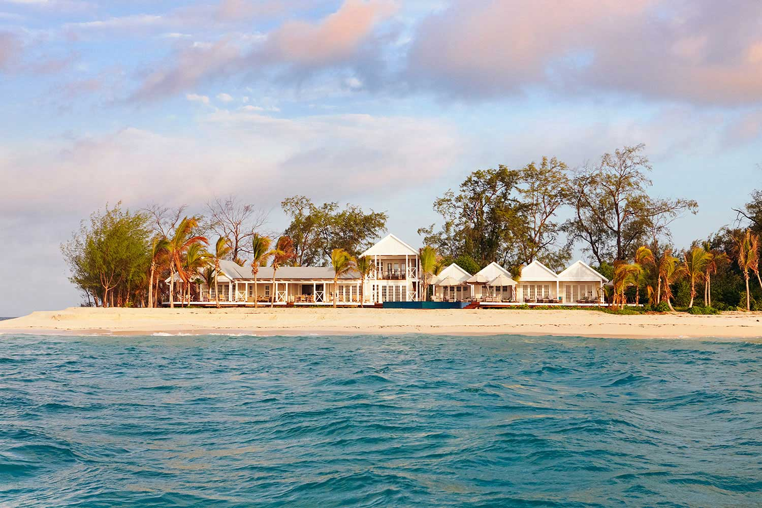 Thanda-Island---Villa-Outside---107.jpg