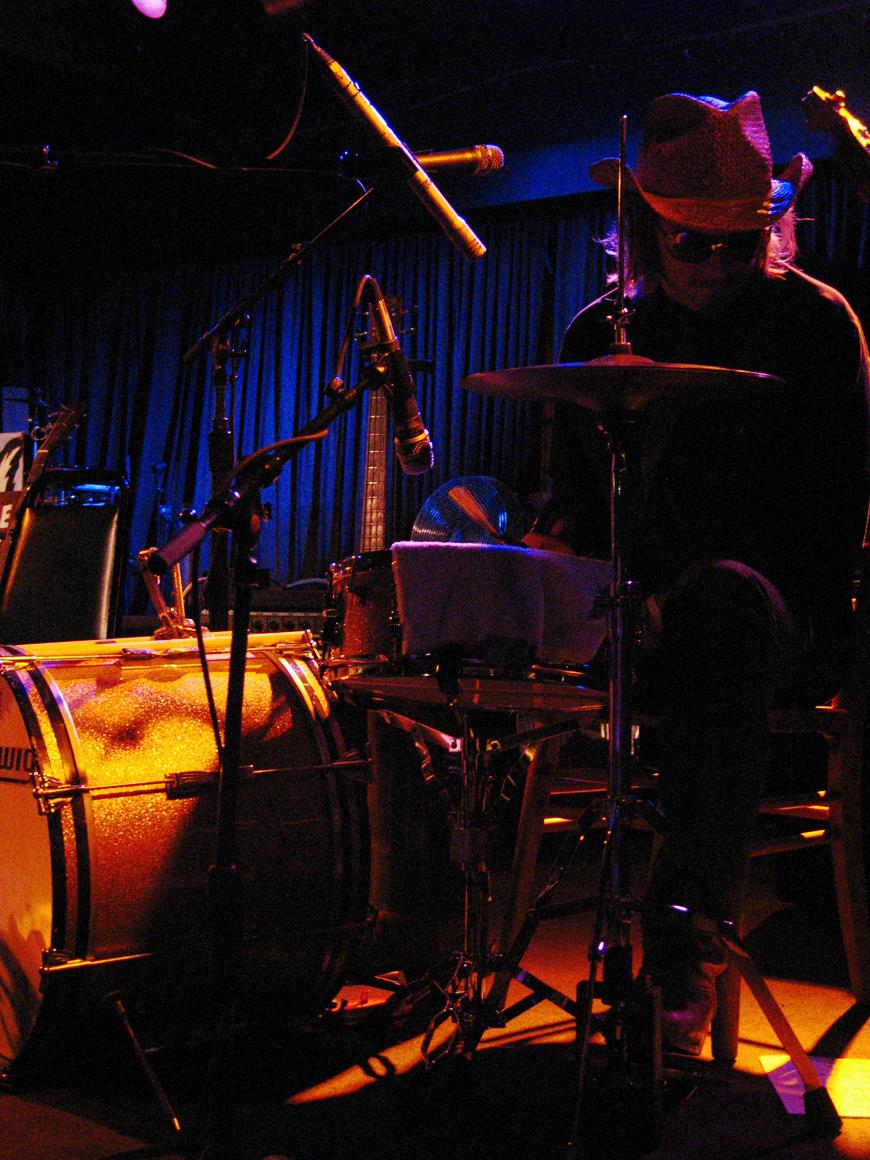 Drumming for Cindy Lee Berryhill (2009). Photo Greg Friedman