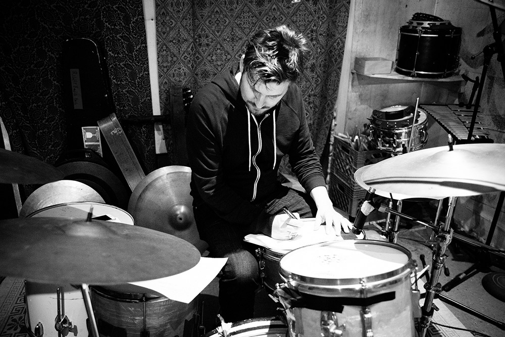 Re-writing during the 'Fürst In The Dirt' Sessions at Playground Sound (2014). Photo Stacie Huckeba.