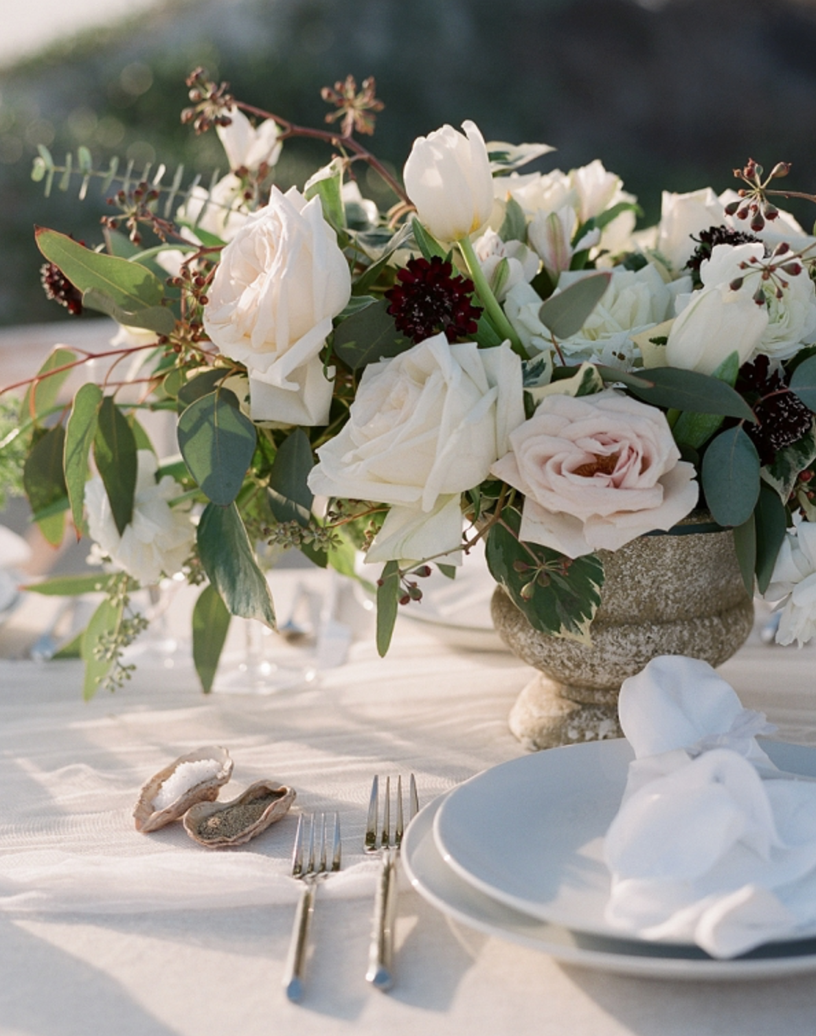 beachy centerpiece on the beach by maxit flower design