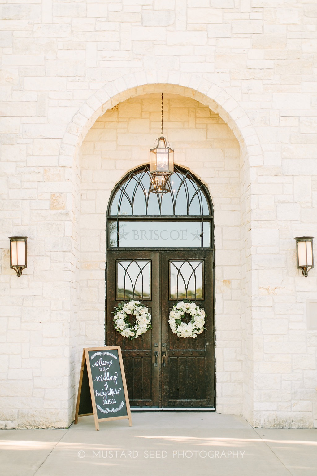 ivory-welcome-door-wreath-by-maxi-flower-design-in-houston-texas