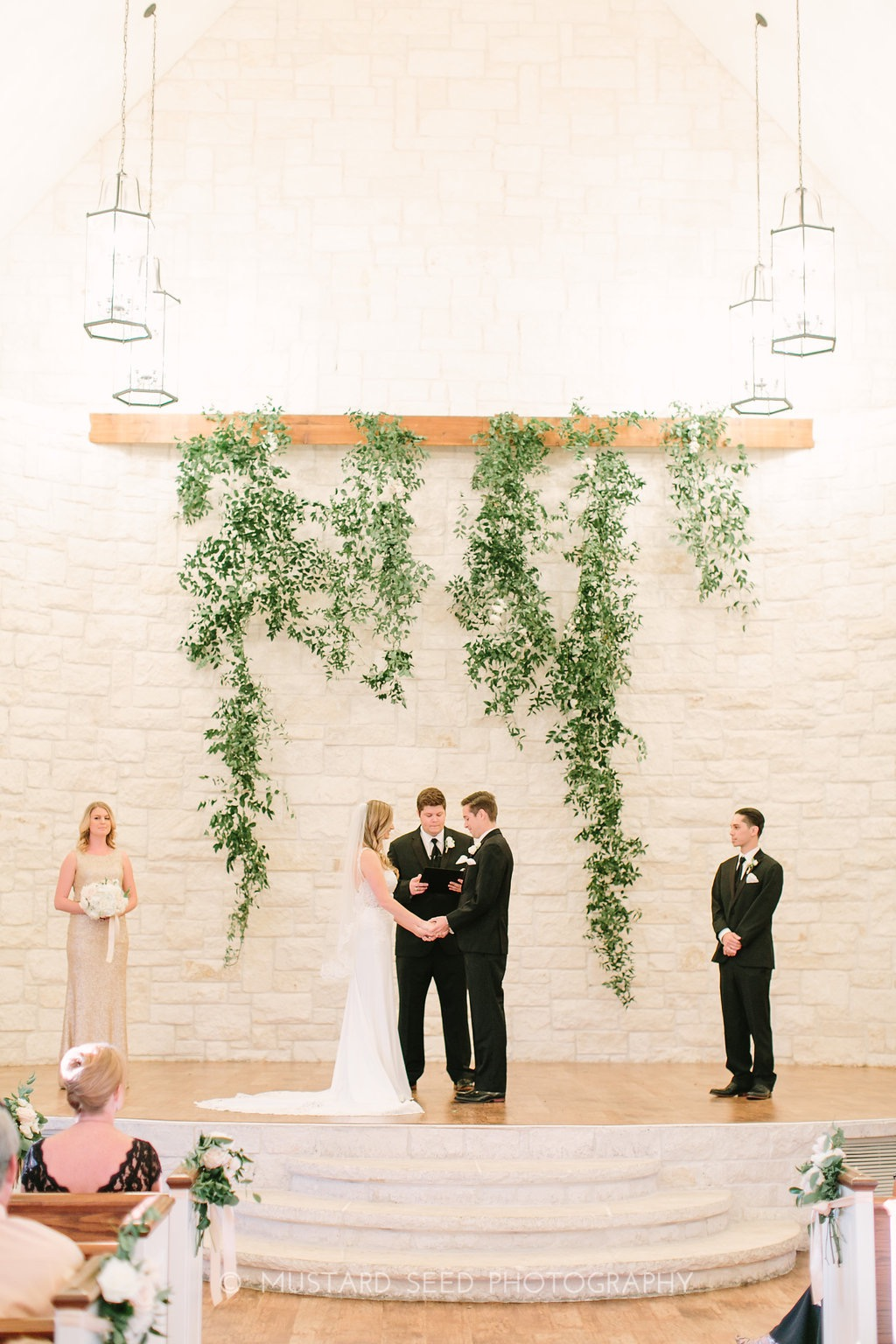 ceremony-greenery-by-maxit-flower-design-in-houston-texas