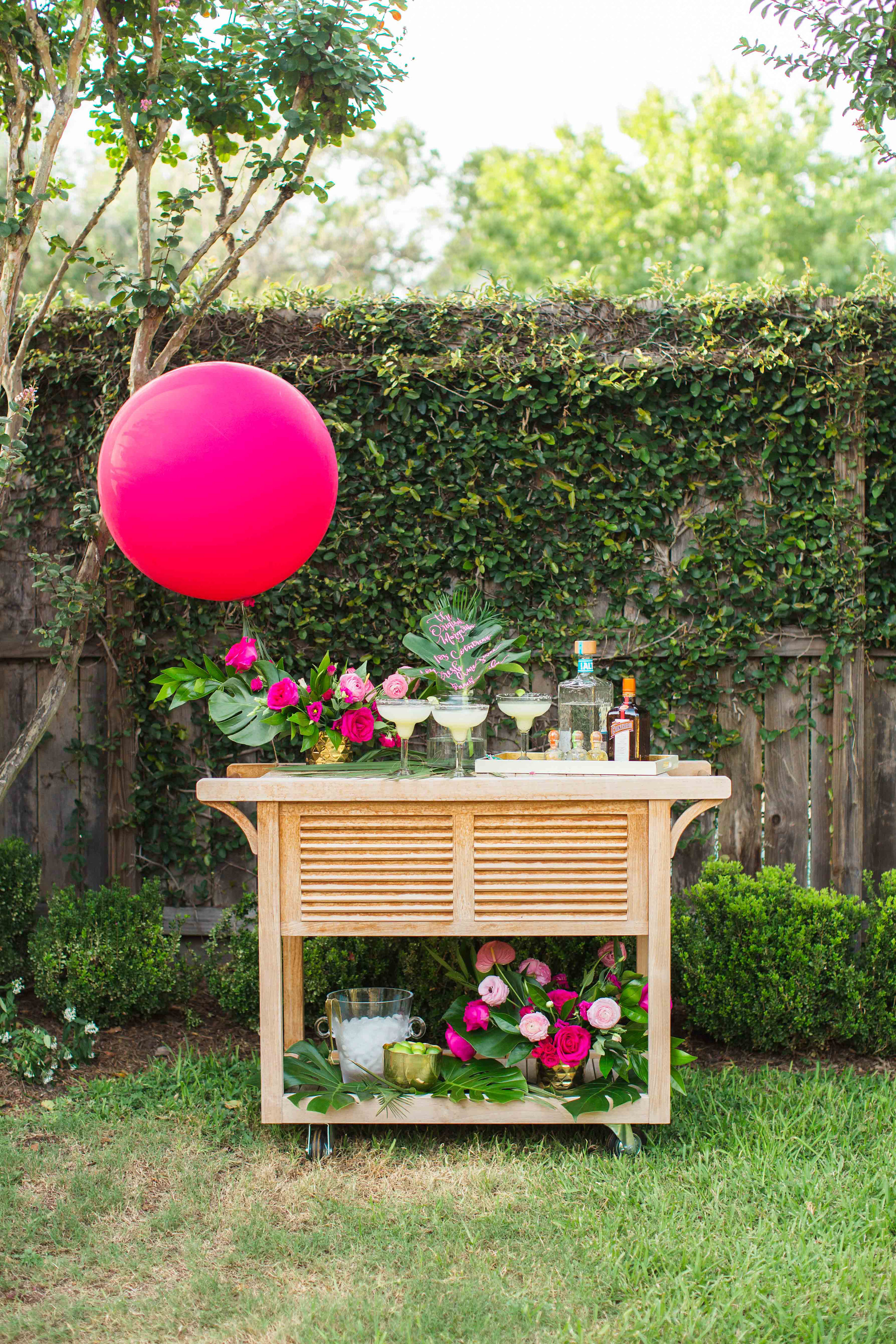 house-of-harper-summer-party-cointreau-bar-cart-florals-by-maxit-flower-design