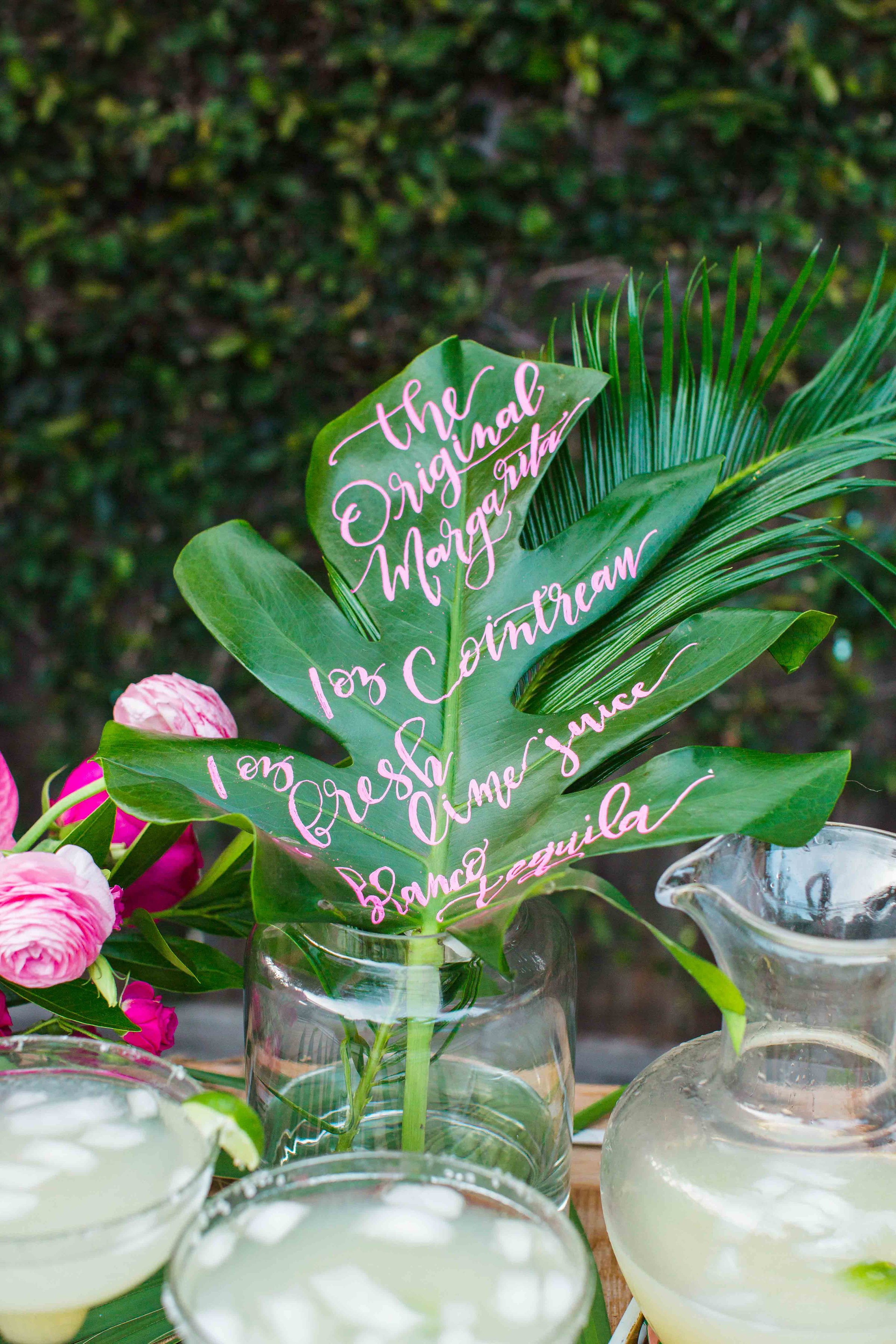 house-of-harper-summer-party-cointreau-calligraphy-by-natalie-gene-creative-florals-by-maxit-flower-design