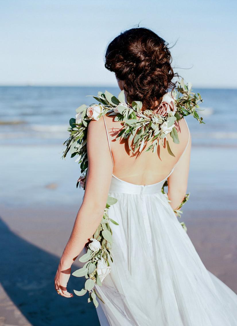 galveston-beach-bride-wedding-garland-by-maxit-flower-design
