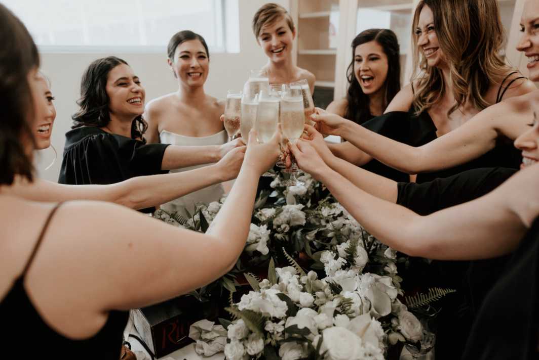 champagne-cheers-floral-centennial-gardens-modern-wedding-moody-photography-joseph-west-maxit-flower-design-in-houston-texas