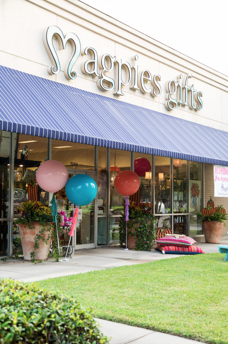 magpies-gifts-balloons-shopping-party-florals-by-maxit-flower-design-in-houston-texas