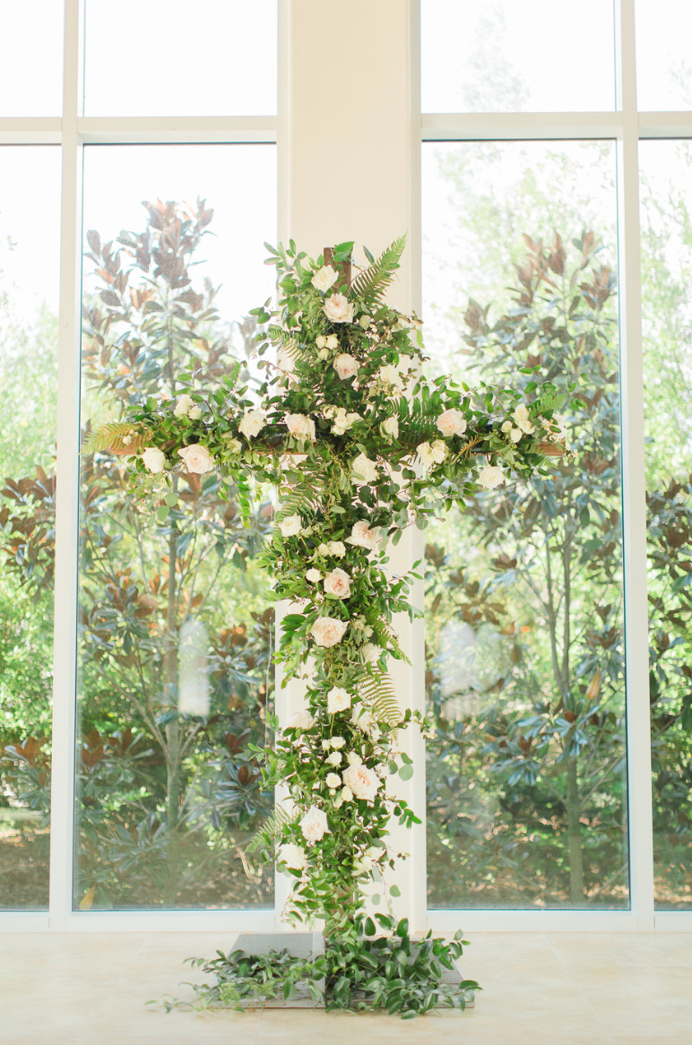 cross-ceremony-wedding-white-greenery-ribbon-florals-by-maxit-flower-design-in-houston-texas