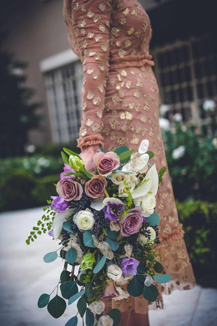 little-coterie-entertaning-party-decor-inspiration-lavender-purple-white-greenery-floral-boquet-by-maxit-flower-design
