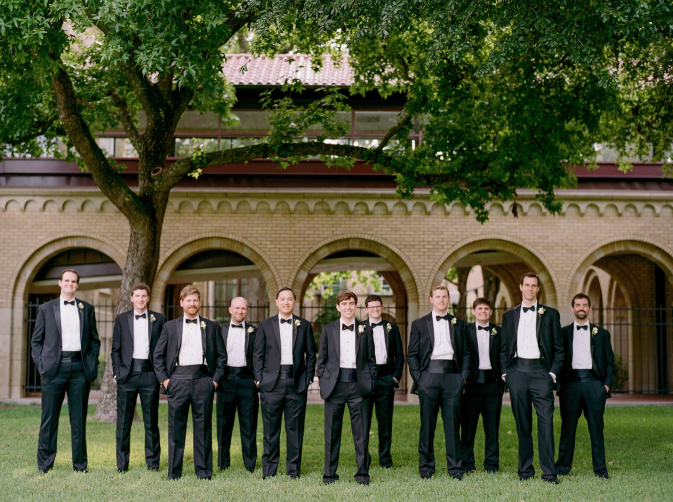 wedding-groom-groomsmen-photography-dana-fernadez-river-oaks-country-club-boutonniere-floral-greenery-by-maxit-flower-design-houston-texas
