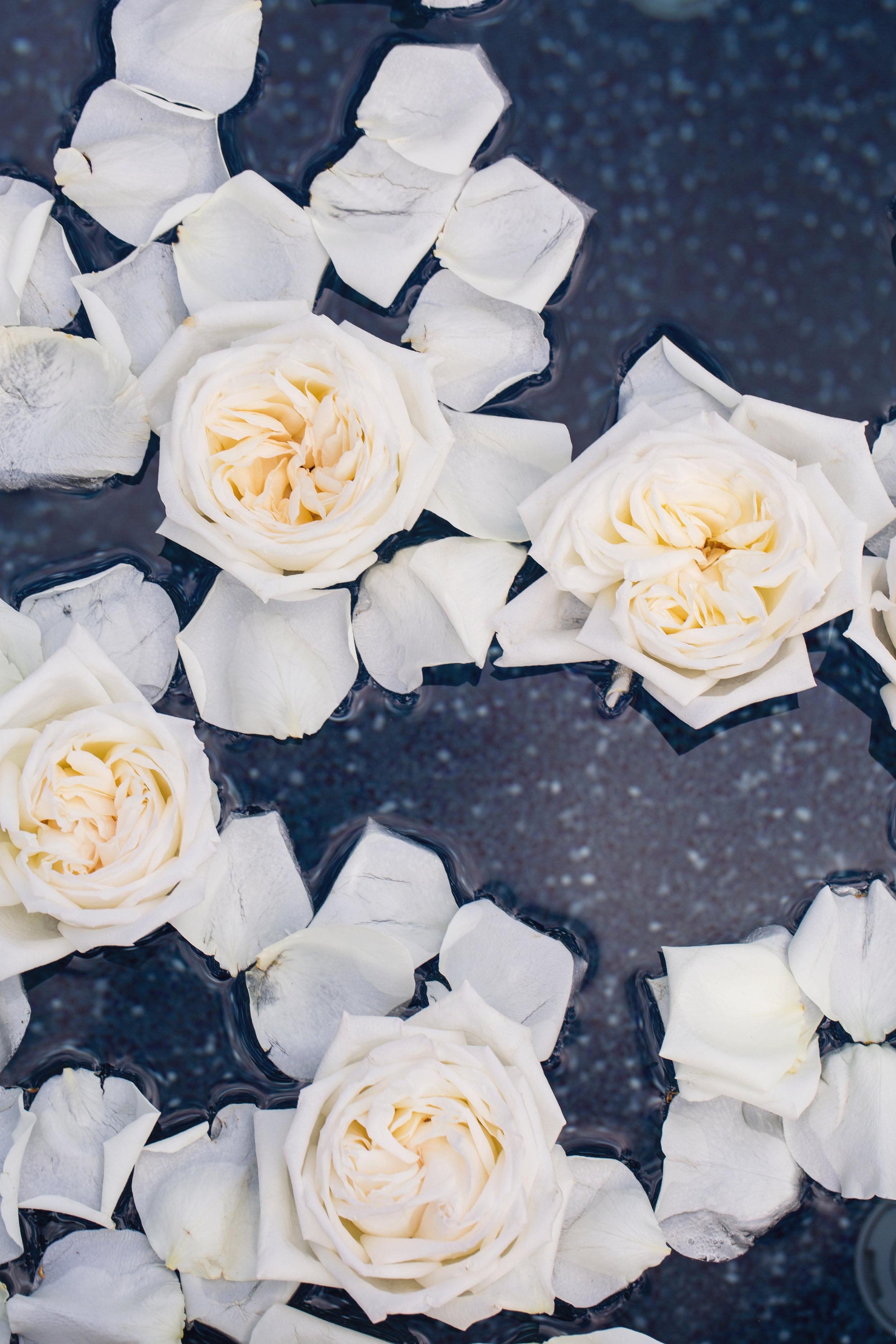 Floating-Flowers-Water-Houston-Florist-Home-Wedding.jpg