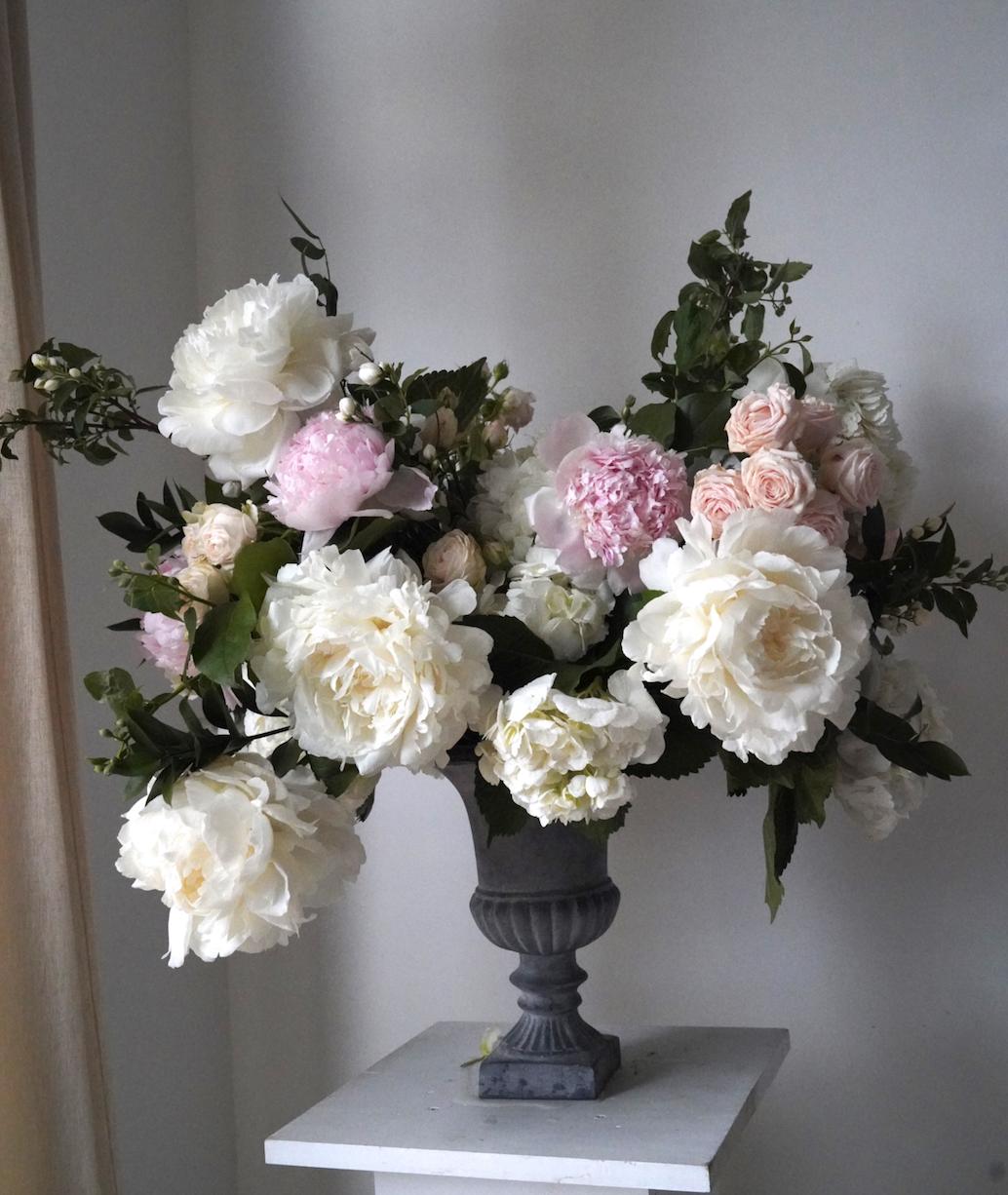 Gray_Urn_White_Blush_Wedding_Flowers_Houston_Texas.png